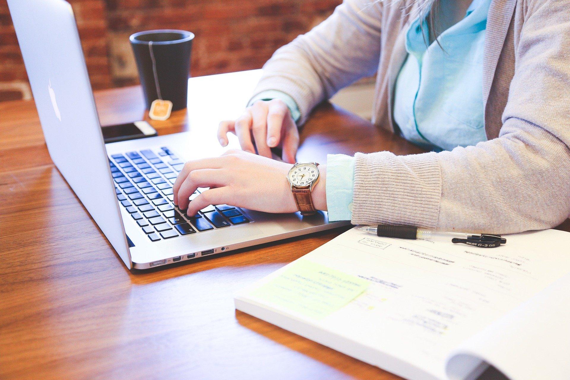 大学生がブログを書くデメリット
