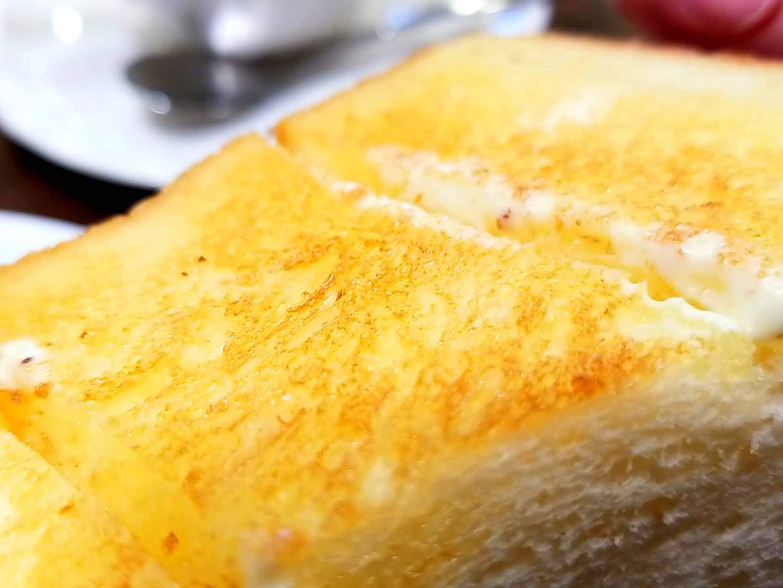 ルノアールのトーストの表面